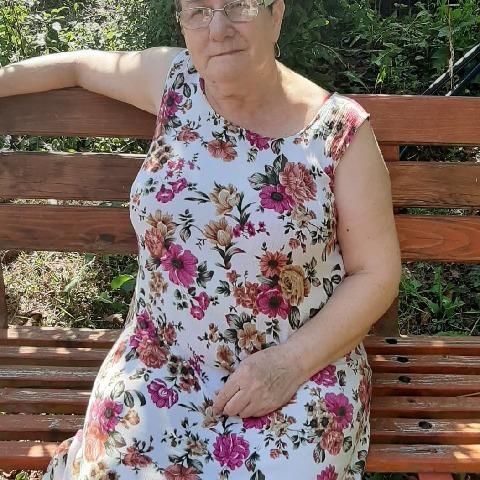 Kató, 65 éves társkereső nő - Pécs