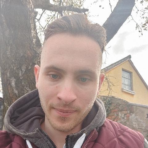 Ádám, 21 éves társkereső férfi - Várpalota
