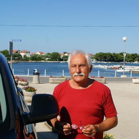 Laci, 62 éves társkereső férfi - Bár