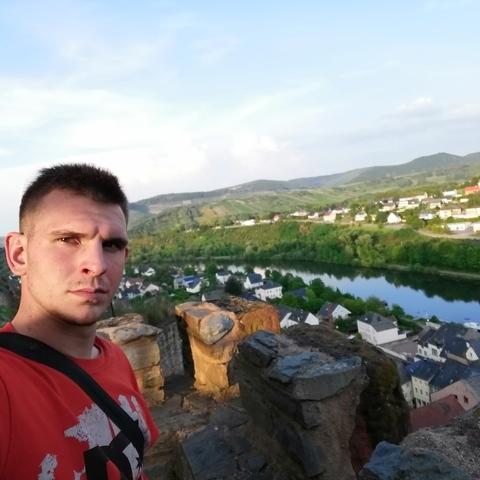 Patrik, 22 éves társkereső férfi - Szolnok