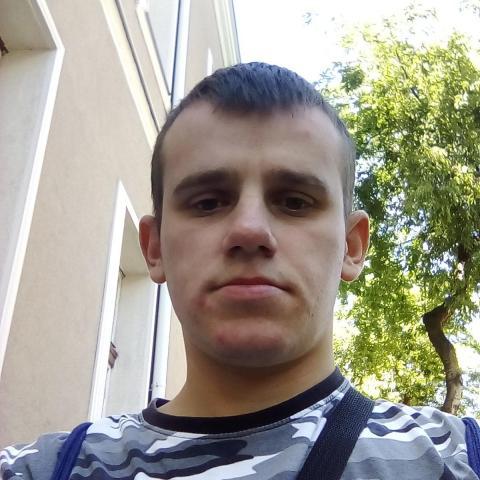 Krisztián, 27 éves társkereső férfi - Balkány