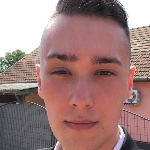 Balázs, 21 éves társkereső férfi - Nyíregyháza