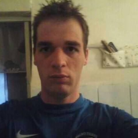 Peti, 29 éves társkereső férfi - Salgótarján