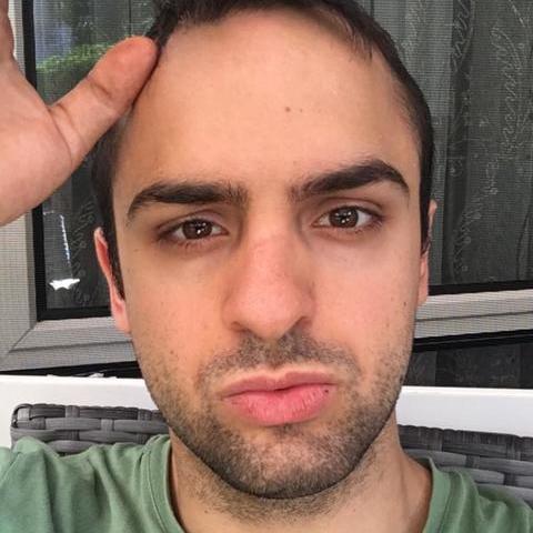 Alex, 25 éves társkereső férfi -