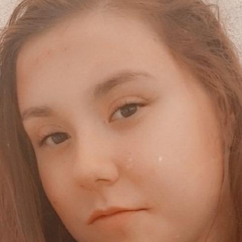 Barbara, 19 éves társkereső nő - Tófej