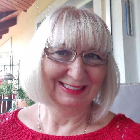 ANNA, 63 éves társkereső nő - Biatorbágy