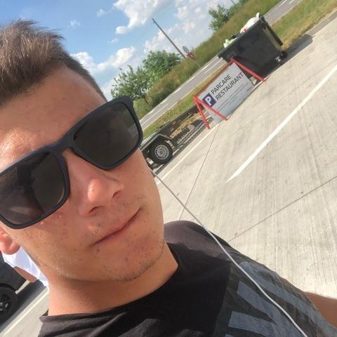 Csongor, 20 éves társkereső férfi - Budapest