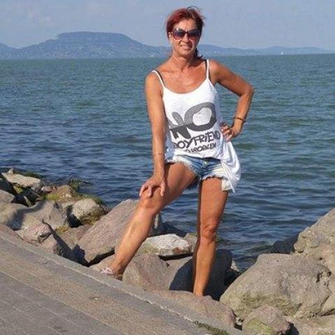 Tündi, 53 éves társkereső nő - Lenti