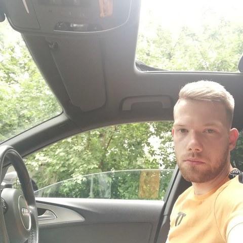 Levi, 22 éves társkereső férfi - Miskolc