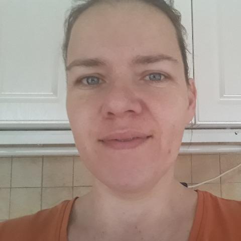 Dóra, 39 éves társkereső nő - Kőszárhegy