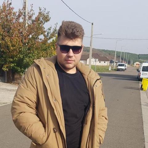 Krisztián, 21 éves társkereső férfi - Eger