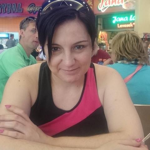 Adrienn, 42 éves társkereső nő - Békéscsaba