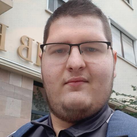 Viktor, 22 éves társkereső férfi - Gyöngyös