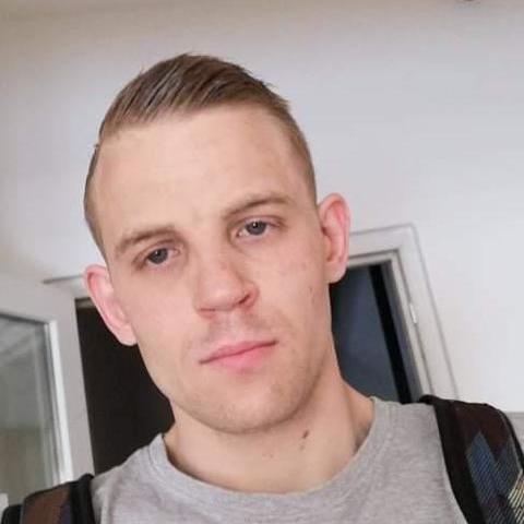 Róbert, 26 éves társkereső férfi - Budapest