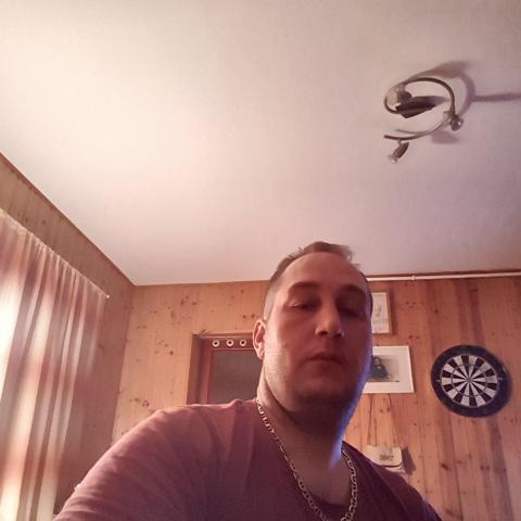 Zalán, 28 éves társkereső férfi - Egyházasdengeleg
