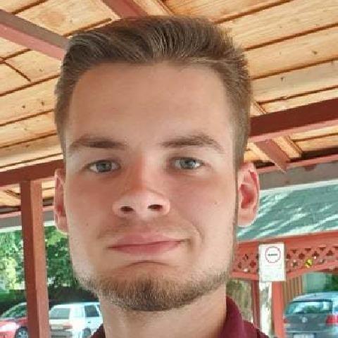 Márk, 23 éves társkereső férfi - Szeged