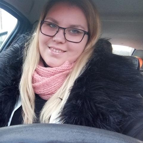 Fanni, 23 éves társkereső nő - Várpalota