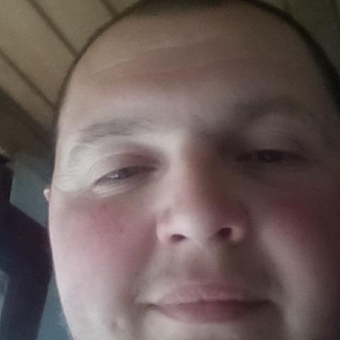 Zoltán, 33 éves társkereső férfi - Izmény