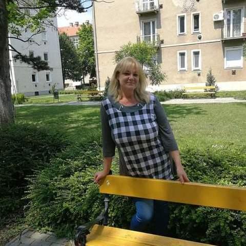 Szilvia, 50 éves társkereső nő - Szigetszentmiklós
