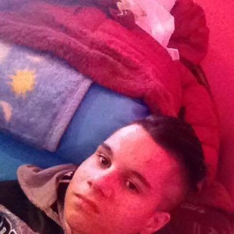 Brendon, 19 éves társkereső férfi - Vanyarc
