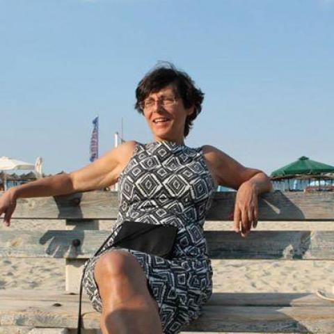 Mari, 64 éves társkereső nő - Debrecen