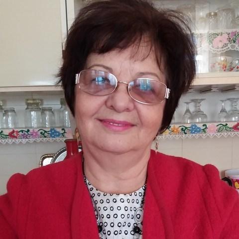 Kati, 67 éves társkereső nő - Miskolc