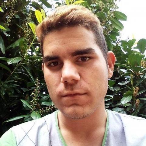 Sándor, 21 éves társkereső férfi - Szorgalmatos