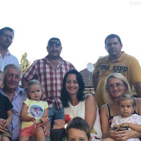 family társkereső