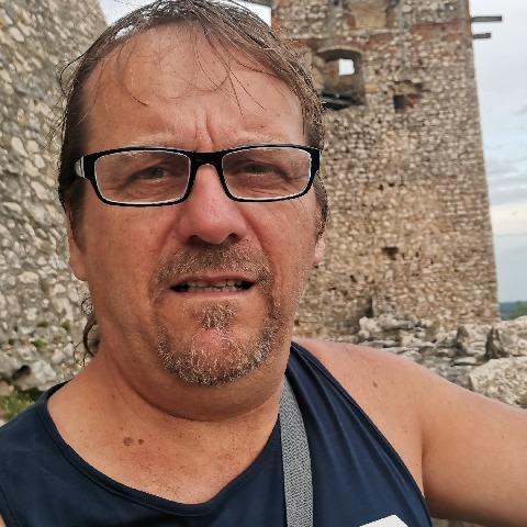 Tibor, 54 éves társkereső férfi -
