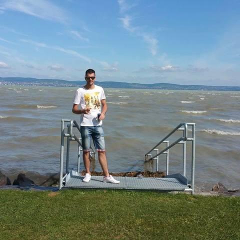 Richárd, 28 éves társkereső férfi - Magy