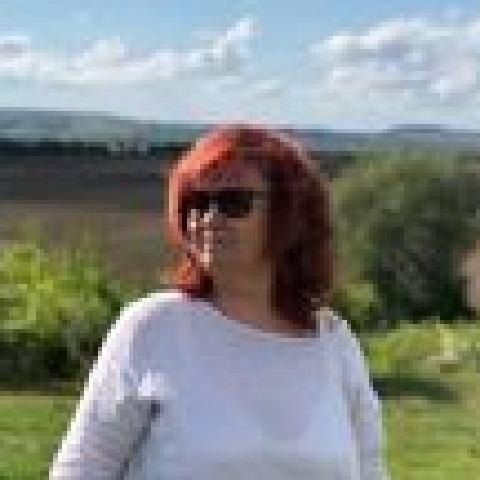 Csilla, 58 éves társkereső nő - Telki