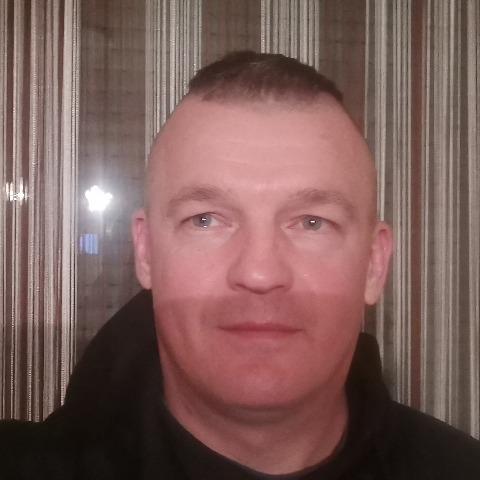 Tomi, 41 éves társkereső férfi - Szolnok