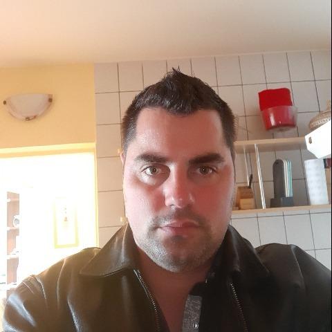 Tibor, 38 éves társkereső férfi - Debrecen
