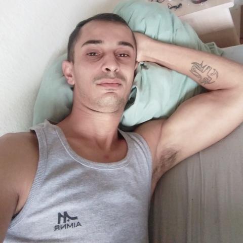 Attila, 26 éves társkereső férfi - Miskolc
