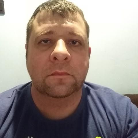Tamás , 40 éves társkereső férfi - Borota