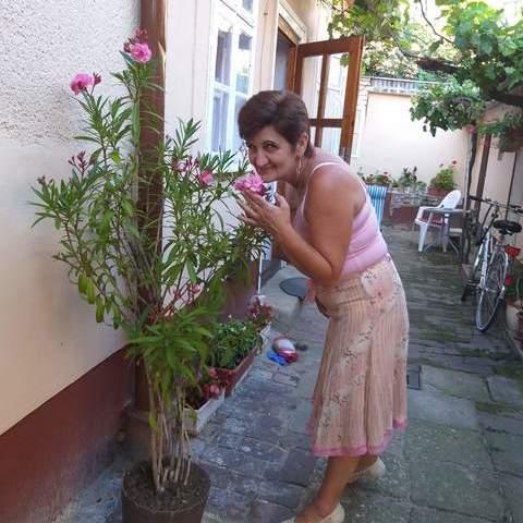 Csilla, 56 éves társkereső nő - Debrecen
