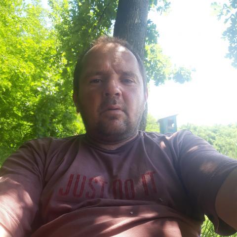 Zsolt, 42 éves társkereső férfi - Kondoros