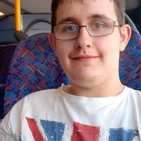 Laci, 18 éves társkereső férfi - London,Harrow