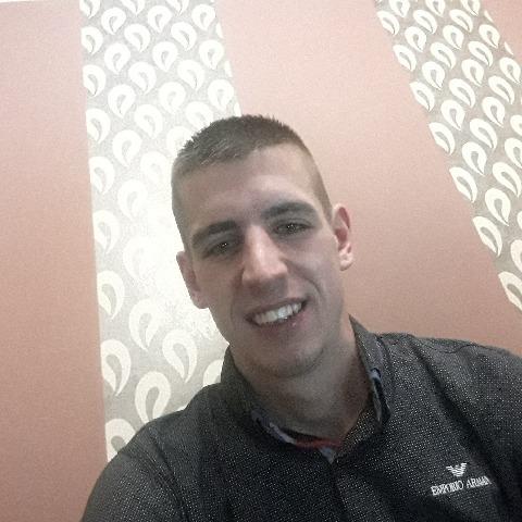 Rihard, 24 éves társkereső férfi -
