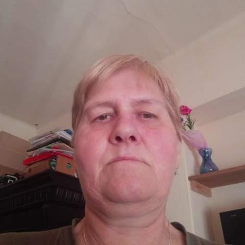 Zsuzsa, 58 éves társkereső nő - Apaj