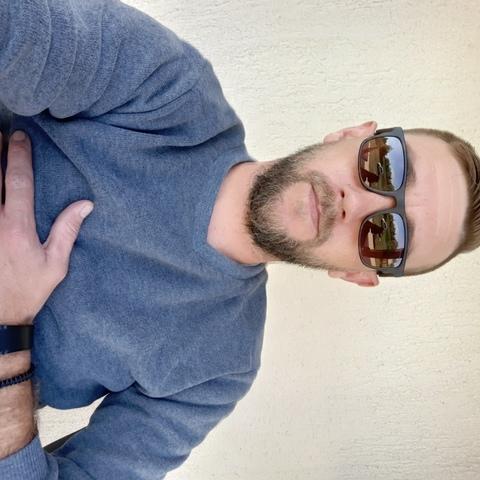 Tibor, 33 éves társkereső férfi - braso