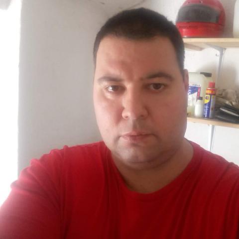 Robert, 40 éves társkereső férfi - Hajdúböszörmény