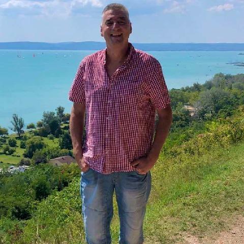 Alfi, 49 éves társkereső férfi - Markaz