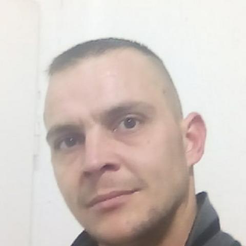 Varga Mihály, 30 éves társkereső férfi - Vinár