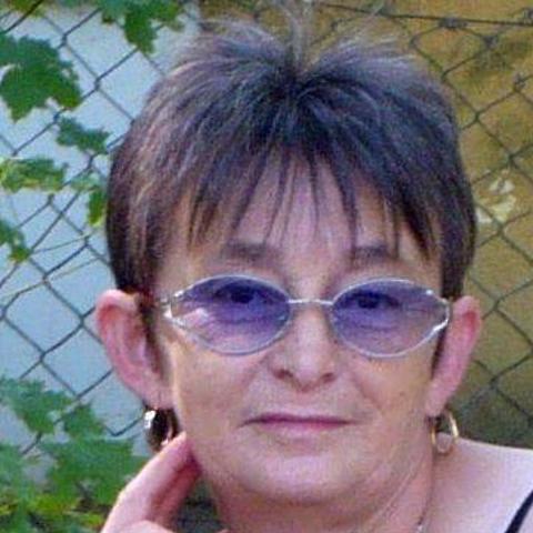 Magdolna, 66 éves társkereső nő - Szekszárd