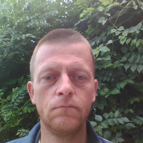 Gábor, 46 éves társkereső férfi - Nézsa