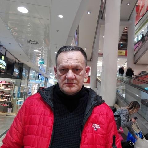 Julio, 54 éves társkereső férfi -