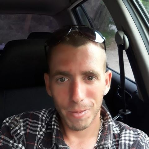 Dávid, 28 éves társkereső férfi - Tevel