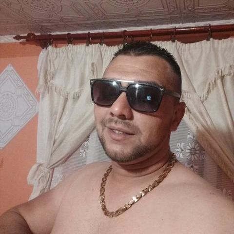 Krisztiàn, 26 éves társkereső férfi - Kazincbarcika