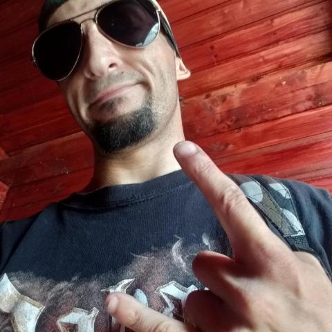 Tibor, 26 éves társkereső férfi - Pécs